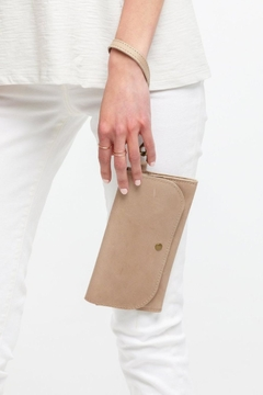 Able Mare Phone Wallet/fog - Product List Image
