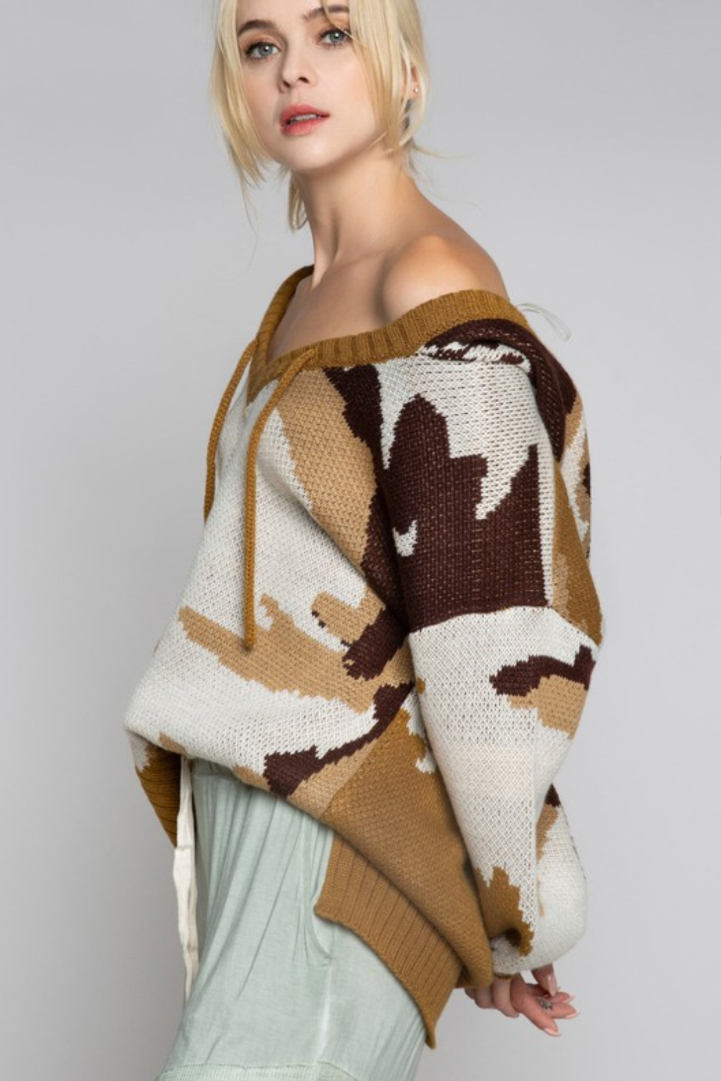 POL Abstract Camo Hoody Sweater - Side Cropped Image
