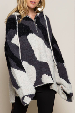 POL  Abstract Print Hooded Sweater - Product List Image