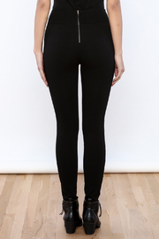 Active Studded Fitted Leggings - Back cropped