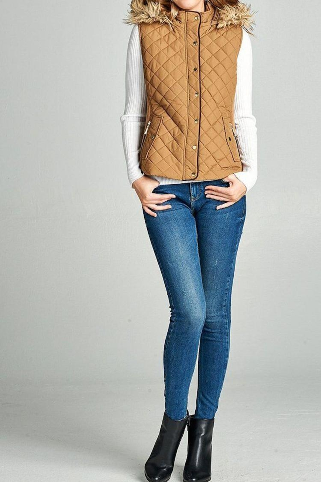 Active Basic Quilted Fur Vest - Main Image