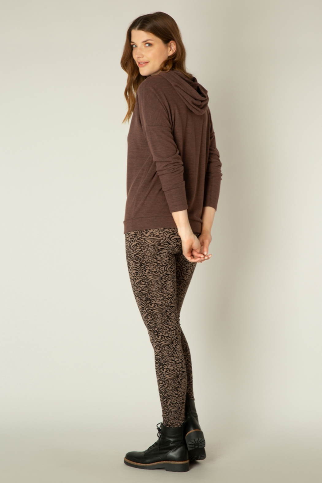 yest  Aicha Hoodie - Side Cropped Image
