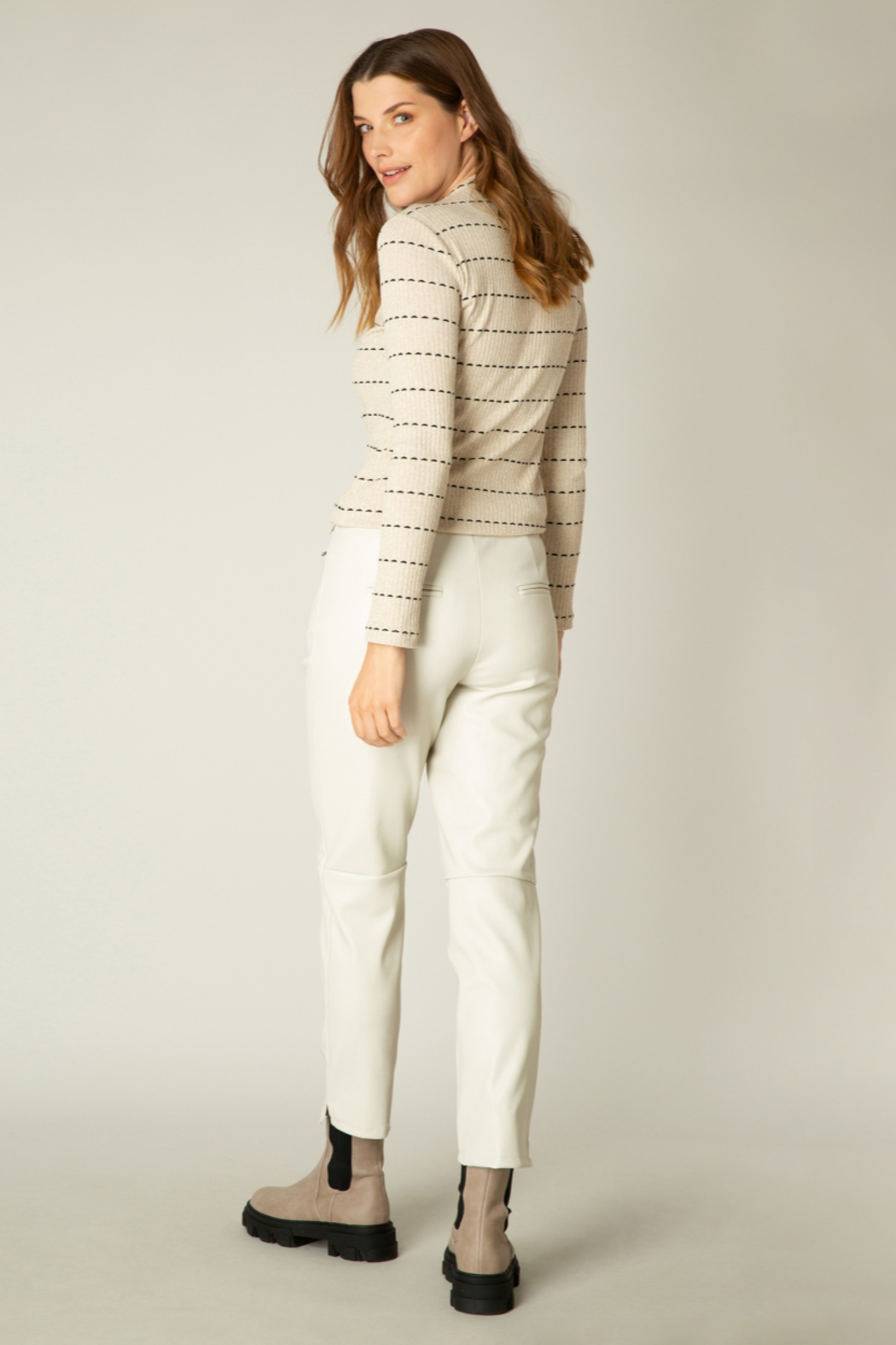 yest  Aiko Mock Neck Long Sleeve Top - Front Full Image