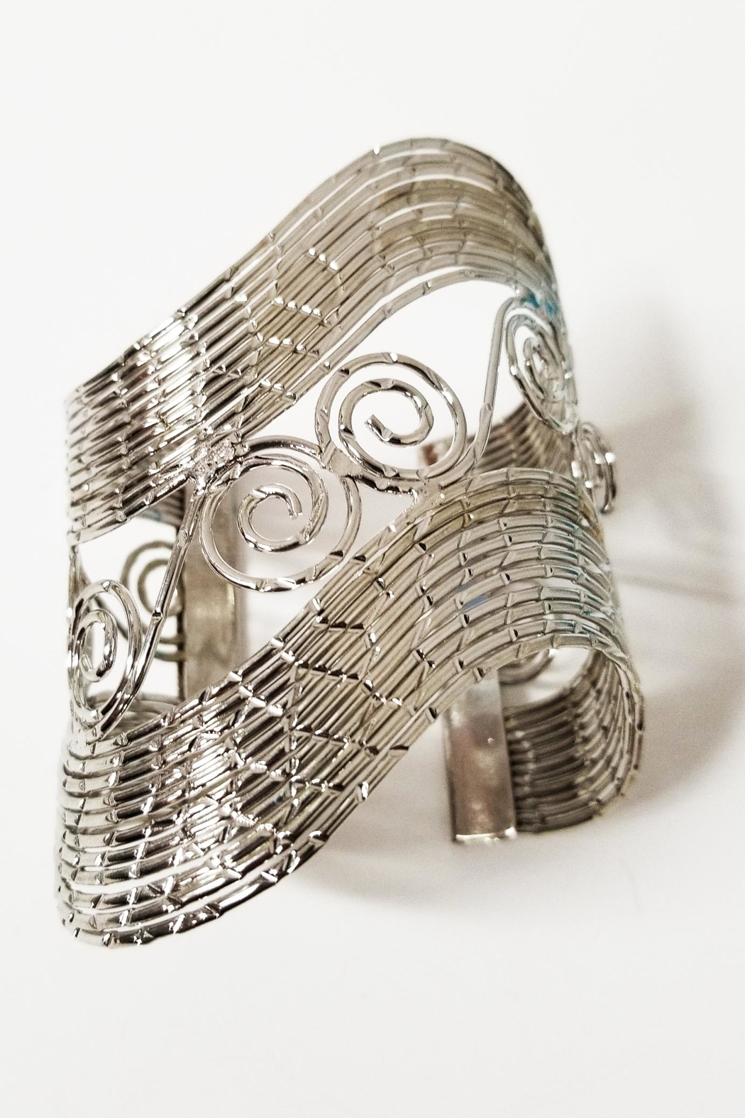 ALEXCINE Nile Statement Cuff - Side Cropped Image