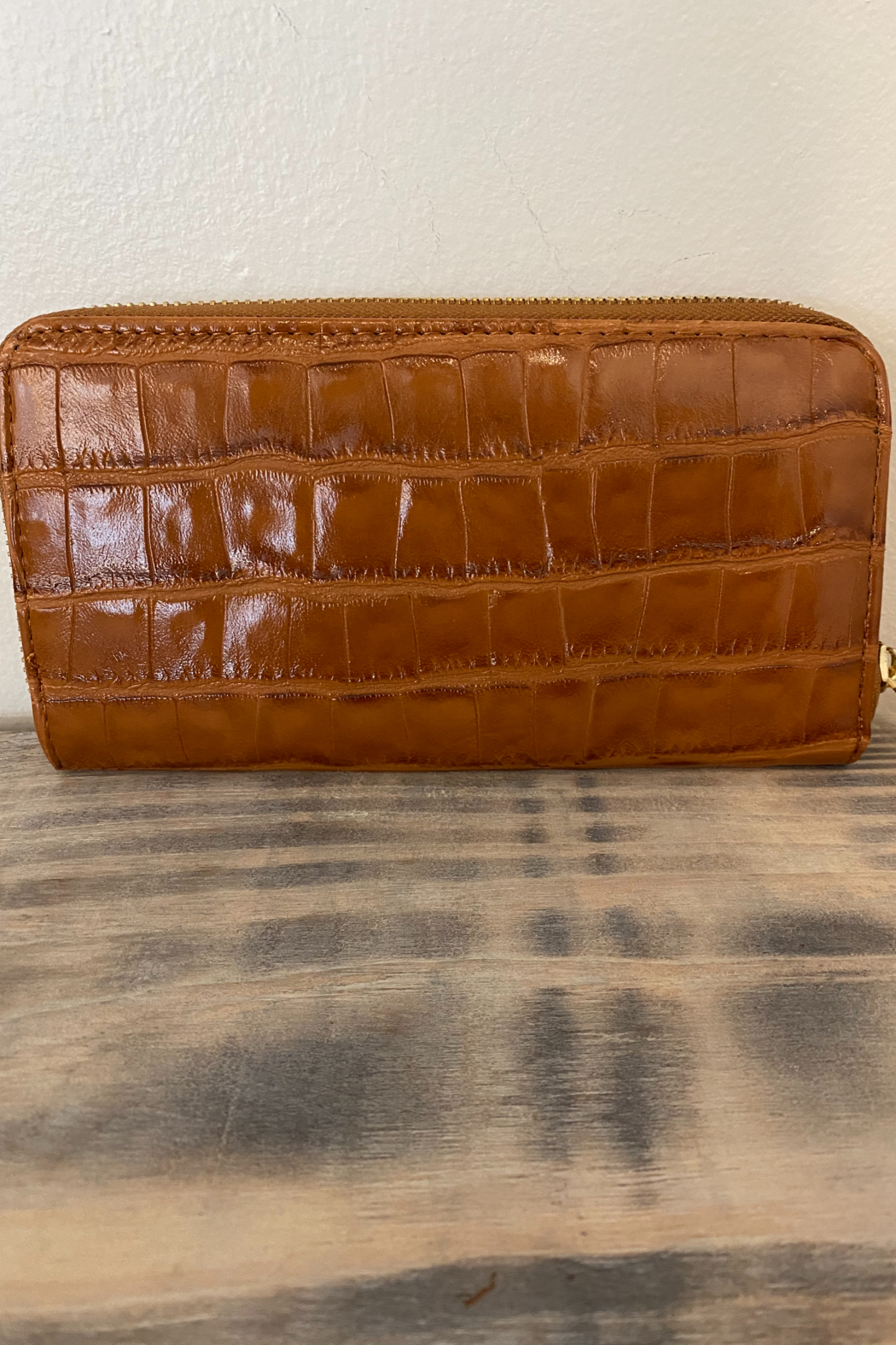 Wear N E Wear Ali Alligator Wallet - Front Cropped Image