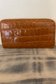 Wear N E Wear Ali Alligator Wallet - Front cropped