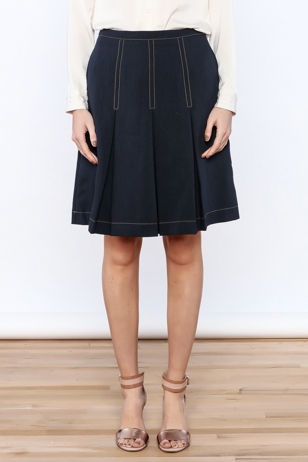Alice's Pig Navy Pleated Knee Skirt - Side Cropped Image