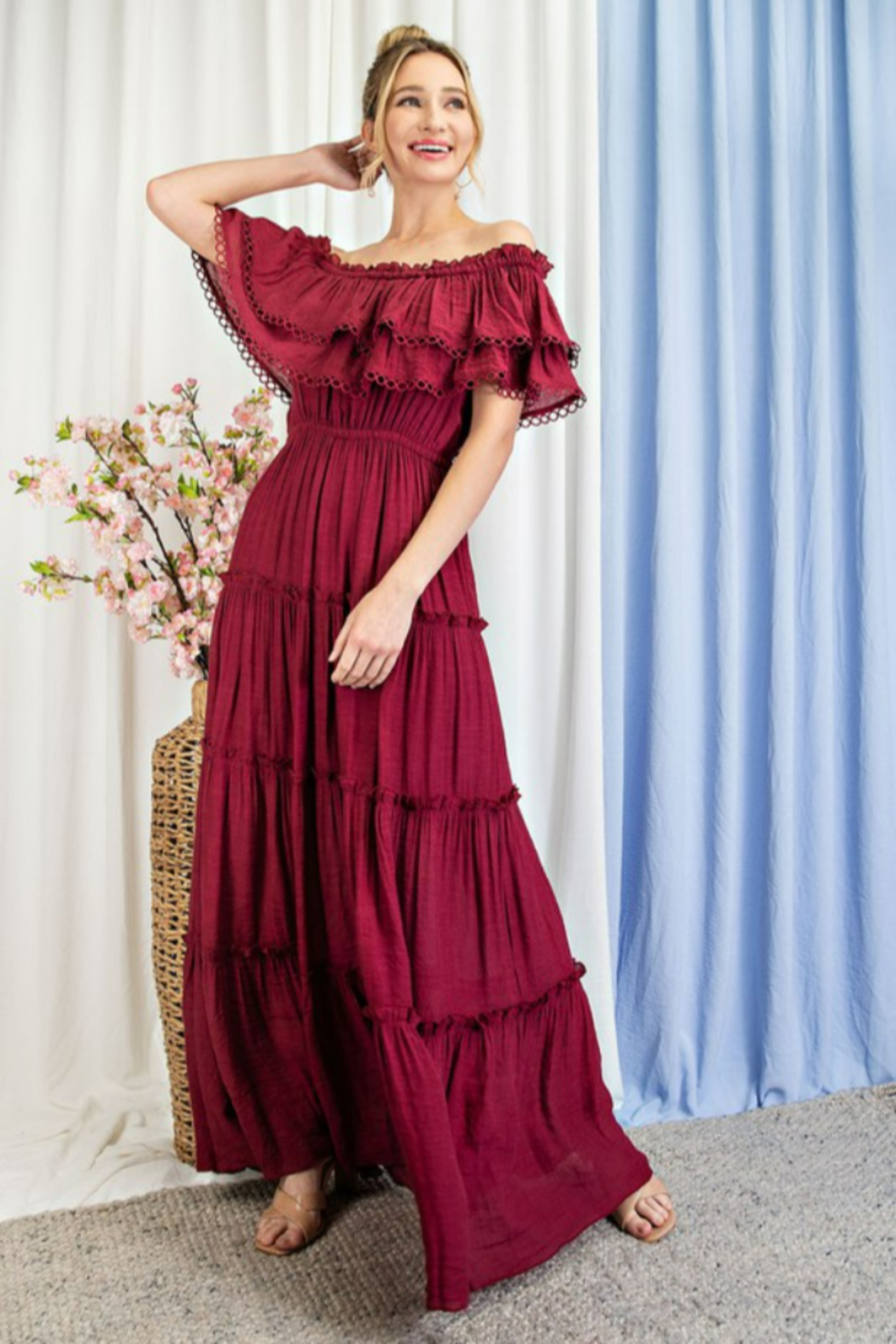 eesome All My Love Maxi dress - Side Cropped Image
