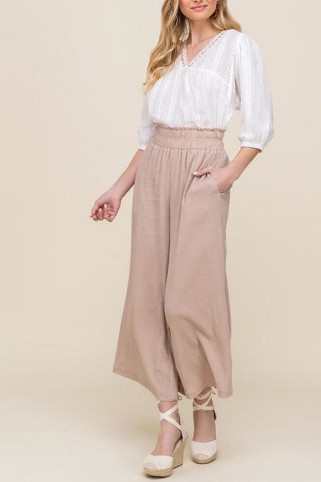 All In Favor Eyelet Balloon-Sleeve Top - Side Cropped Image
