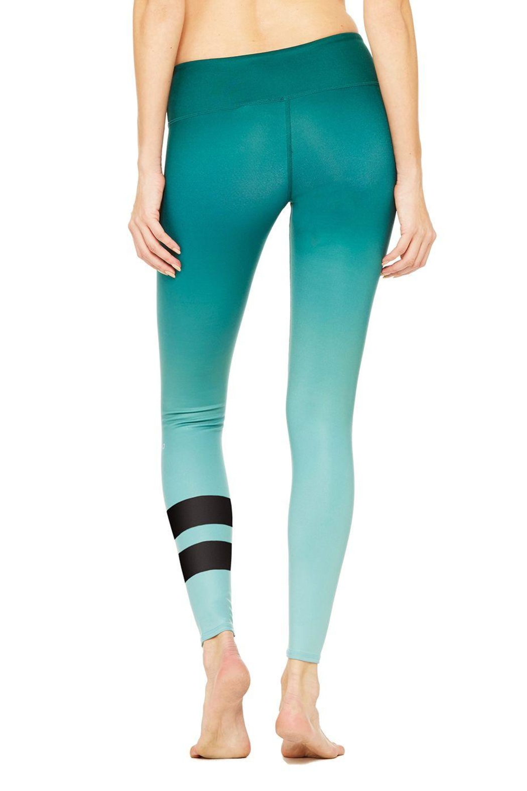 cbc47ae4b3 ALO Yoga Emerald Green Legging from New York City by The StreetLite ...
