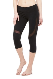 ALO Yoga Curvature Capri - Front full body