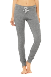 ALO Yoga Twiggy Skinny Sweatpant - Front cropped