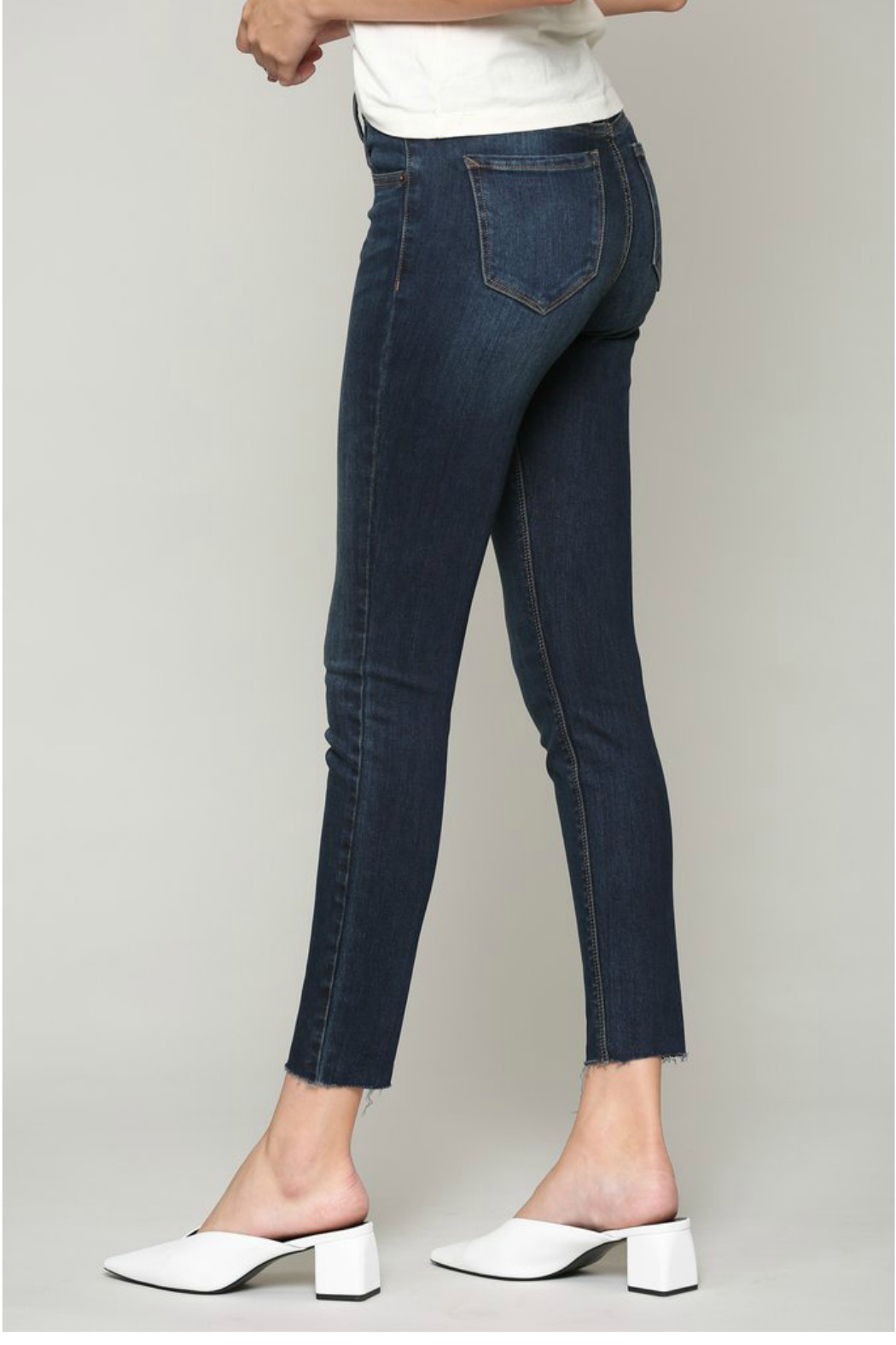 Hidden Jeans AMELIA DARK WASH SKINNY WITH A RAW HEM - Side Cropped Image