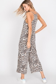 American Chic Leopard Love - Front full body