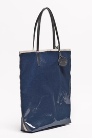 Jack Gomme Amie Lightweight Tote - Front cropped