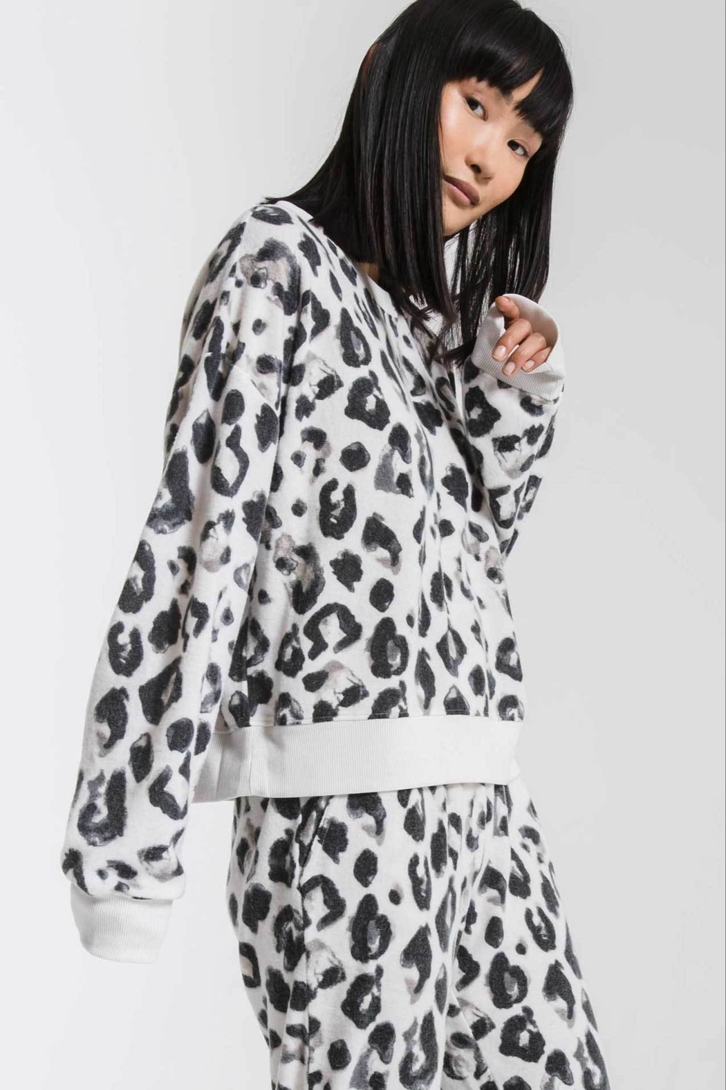 z supply Amur Leopard Pullover - Front Full Image