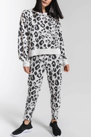 z supply Amur Leopard Pullover - Front cropped