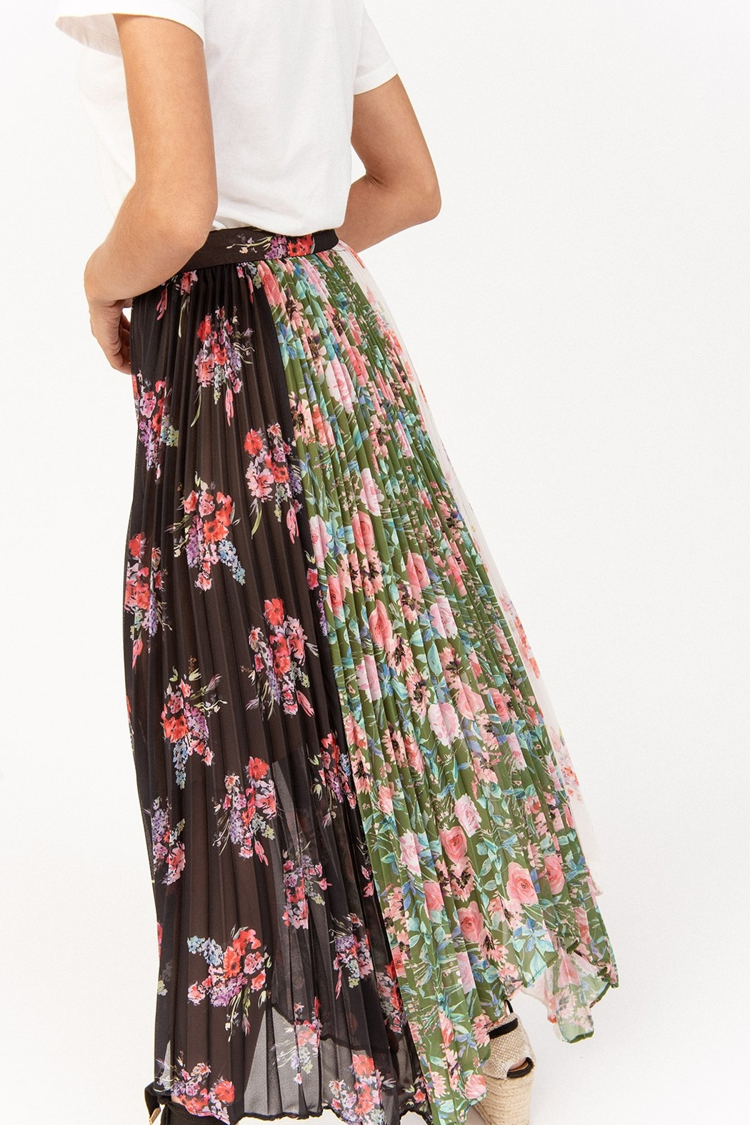 Amur Mica Skirt - Side Cropped Image
