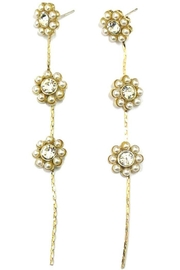 Ana Accessories Pearl Flower Earring - Front cropped