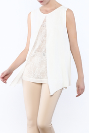Analili White Panel Top - Front cropped