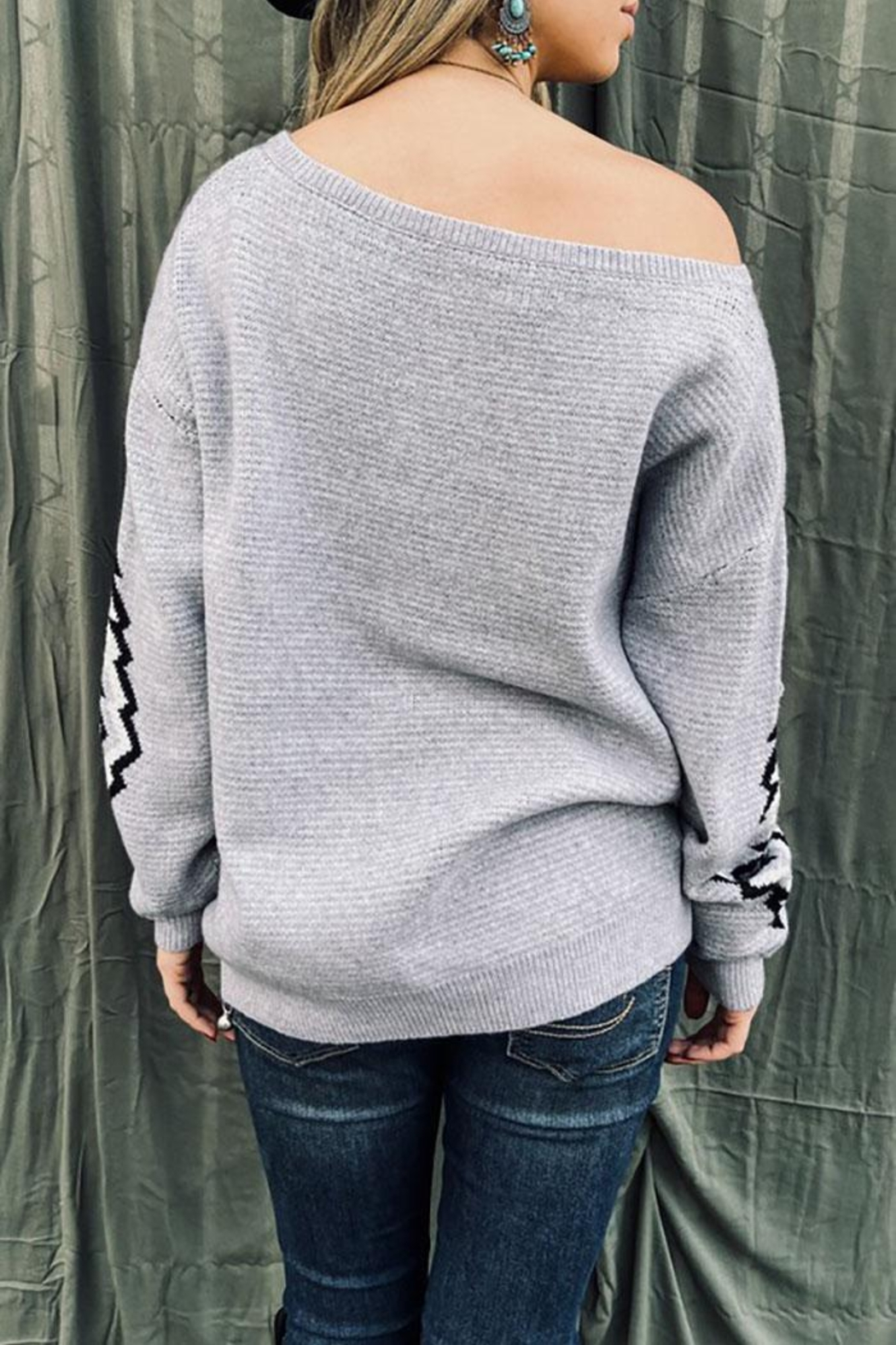 Mint Cloud Boutique Bohemian Aztec Tribal Knit Pullover Sweater - Back Cropped Image