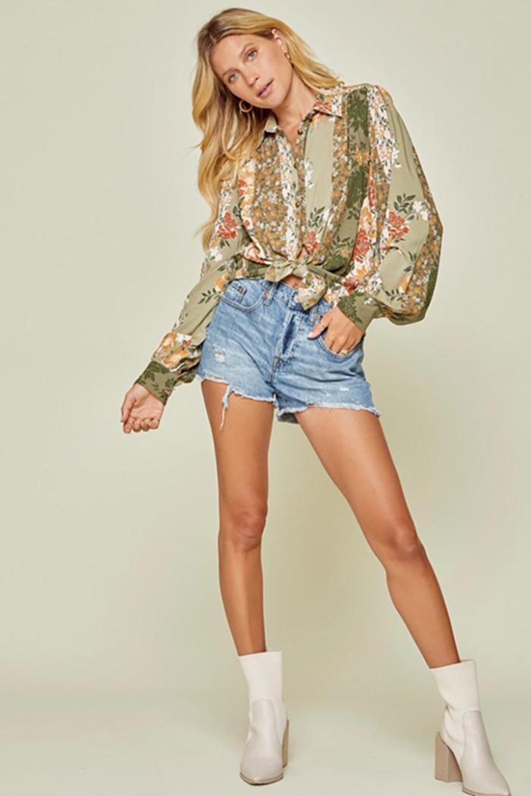 Andree by Unit Button Down Top With Balloon Sleeves - Side Cropped Image
