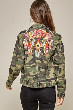 Andree by Unit Camo Jacket Embroidery Detail - Product List Image