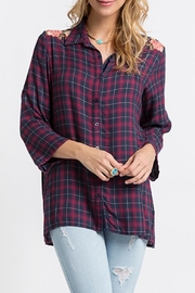 Andree by Unit Embroidered Flannel Tunic - Front cropped