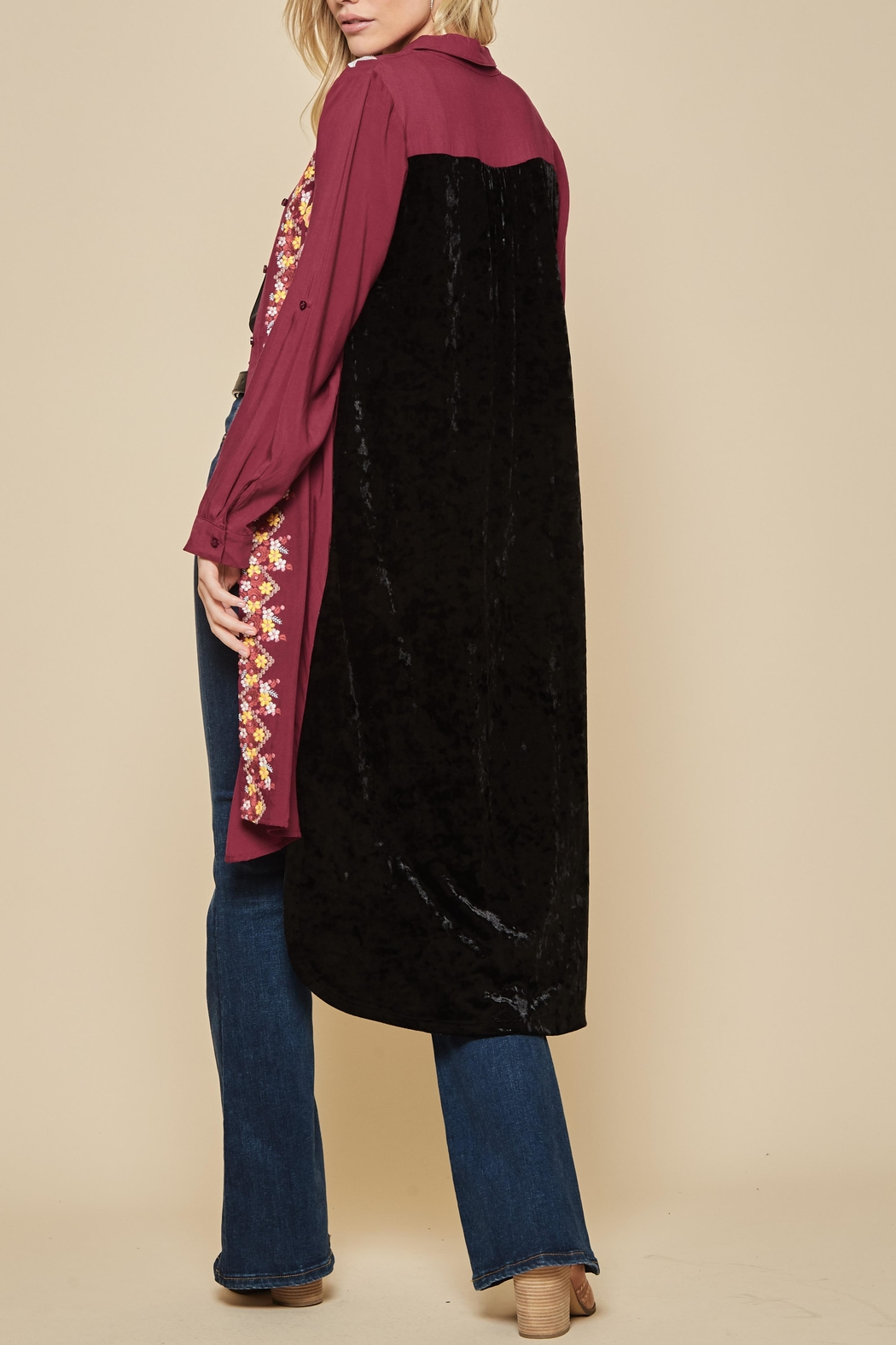 Andree by Unit Embroidered Velvet Duster - Back Cropped Image