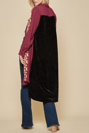 Andree by Unit Embroidered Velvet Duster - Back cropped