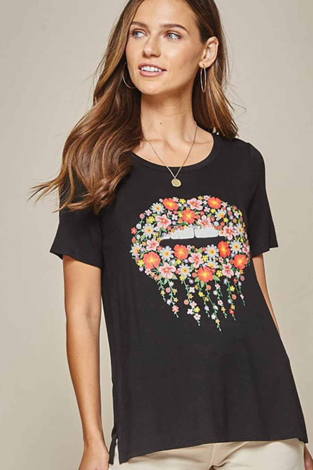 Andree by Unit Graphic Tee Lips - Front Cropped Image