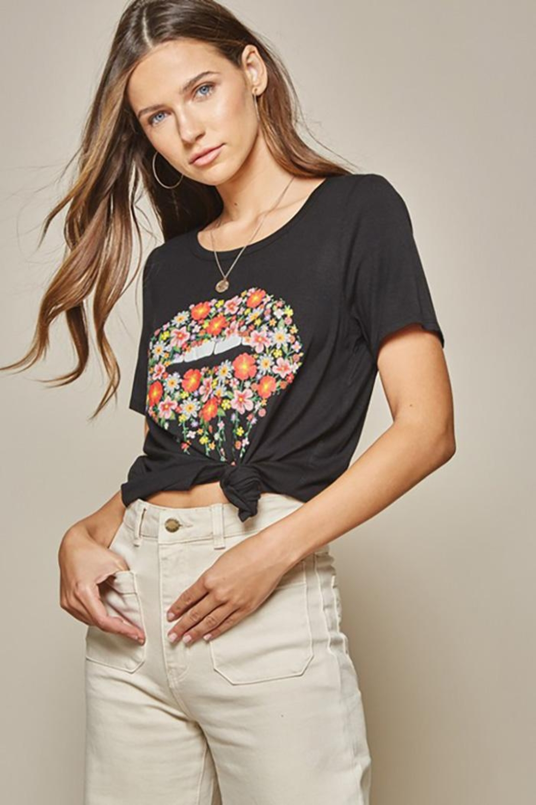 Andree by Unit Graphic Tee Lips - Main Image