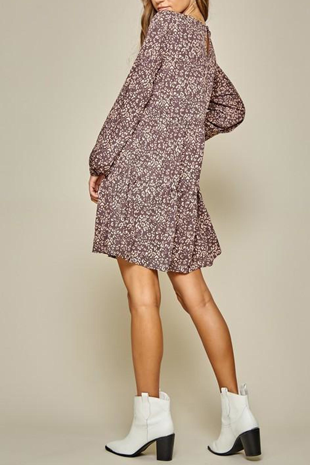 Andree by Unit Leopard Tiered Shift-Dress - Back Cropped Image