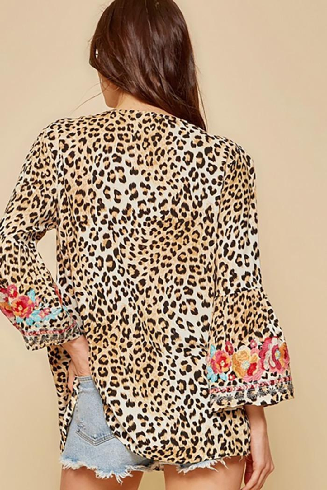 Andree by Unit Leopard Tunic Top With Bell Sleeves - Side Cropped Image