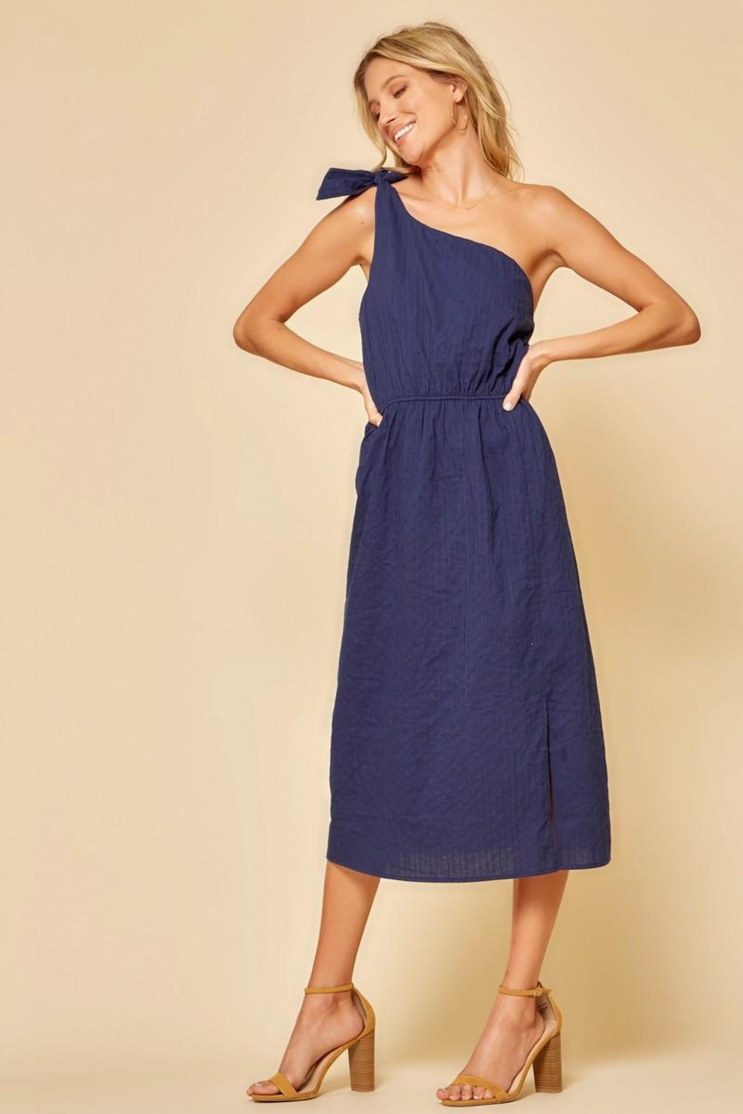 Andree by Unit One-Shoulder Midi Dress - Front Cropped Image