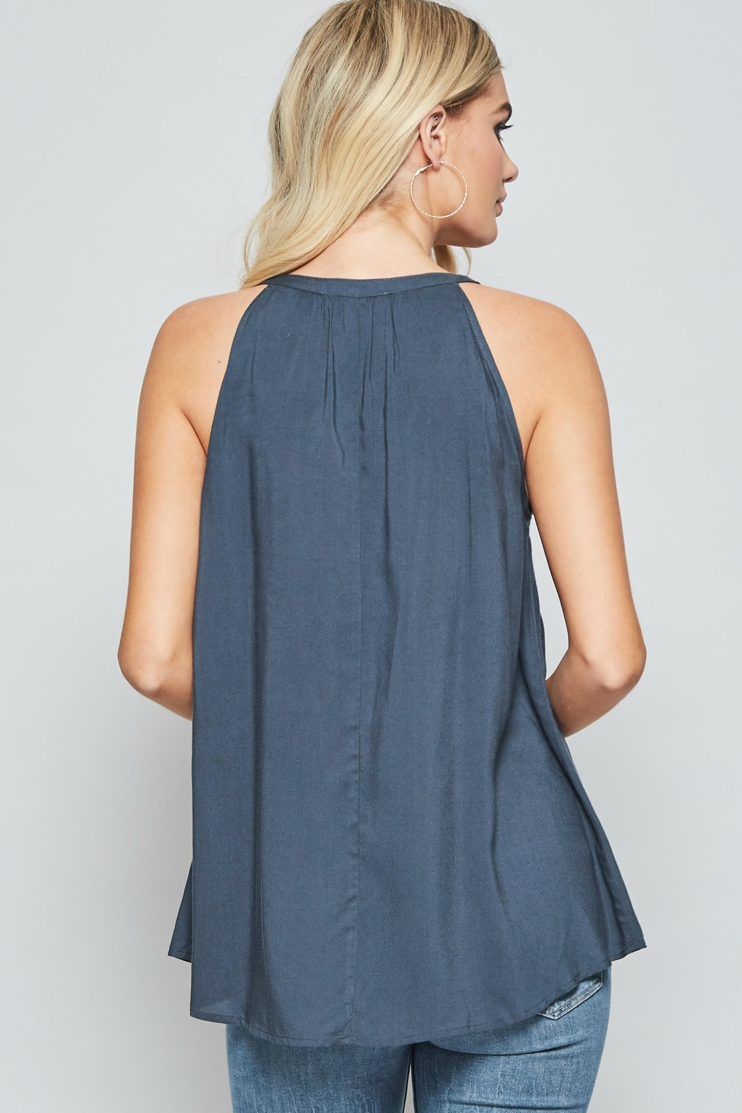 Andree by Unit Sleeveless Embroidered Top - Side Cropped Image