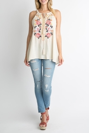 Andree by Unit White Floral Top - Front cropped