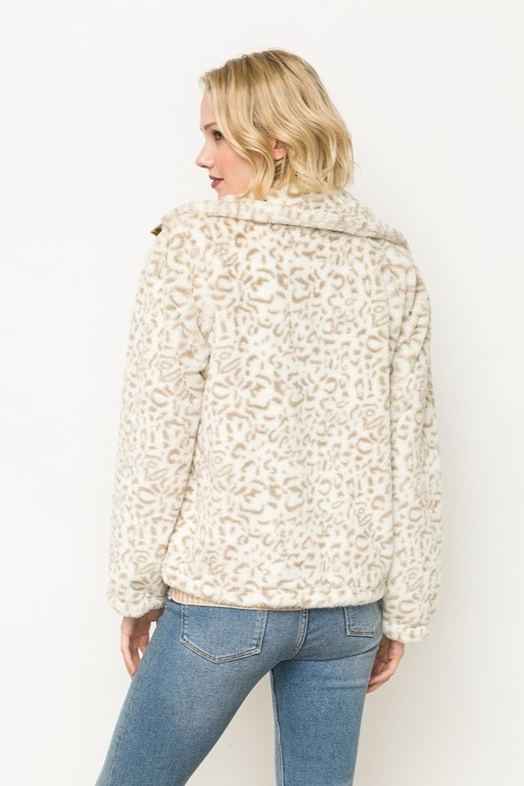 Mystree Animal Print Faux Fur Jacket in Ivory - Side Cropped Image