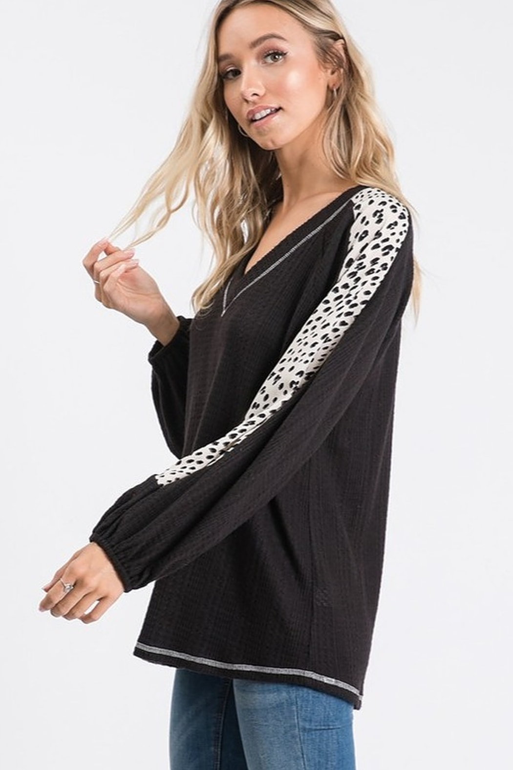 Hailey & Co Animal Print Sleeve Top - Side Cropped Image