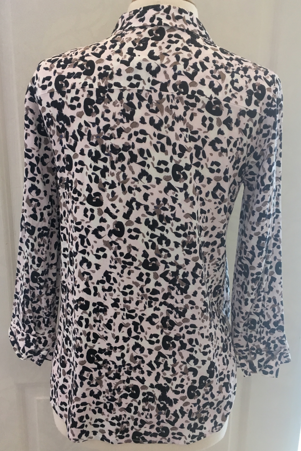 Nic+Zoe Animal print v-neck with collar two button tunic blouse. - Main Image