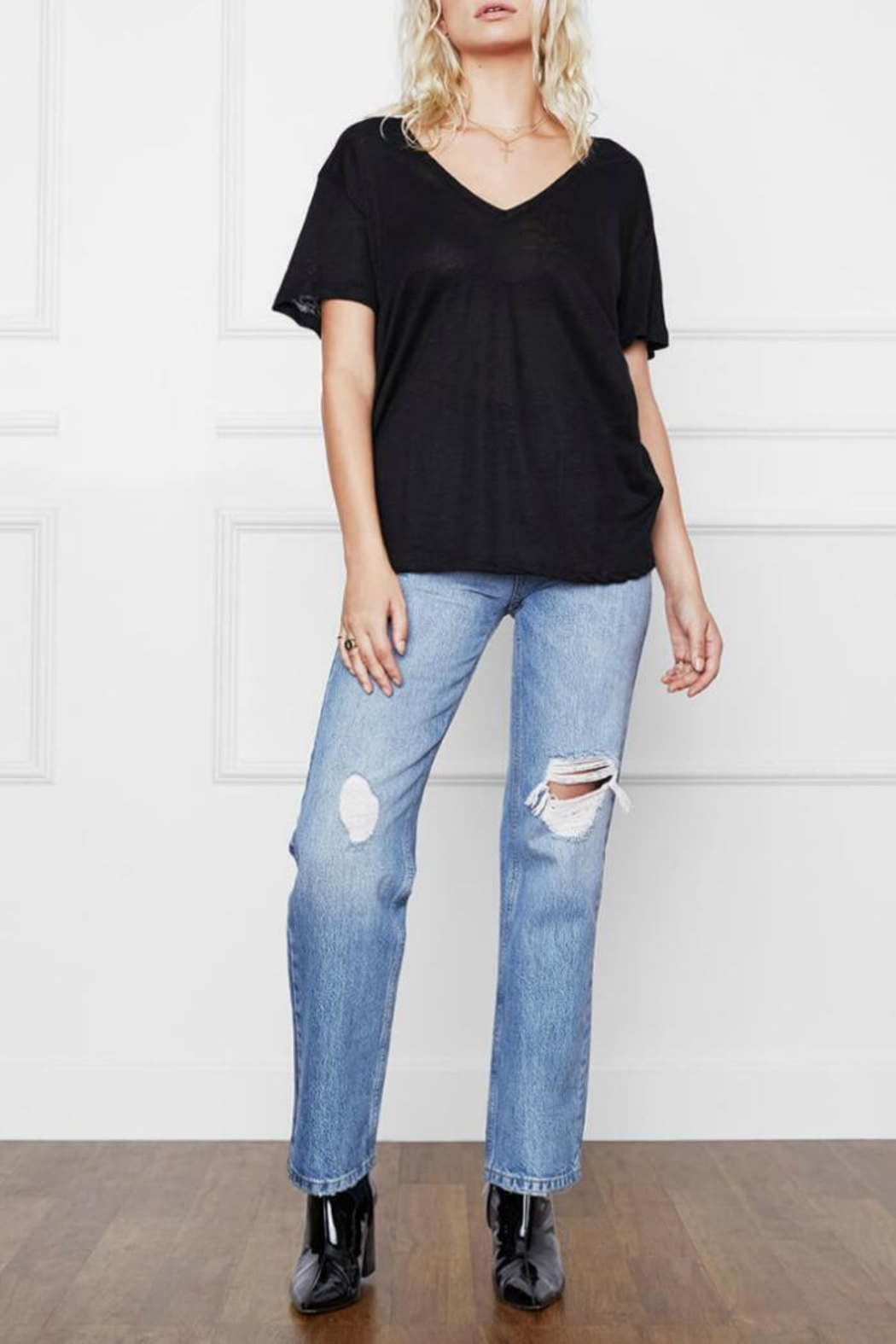 Anine Bing Linen V-Neck Tee - Front Cropped Image