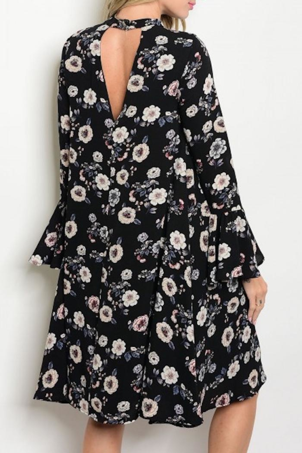 annabelle Floral Keyhole Dress - Front Full Image