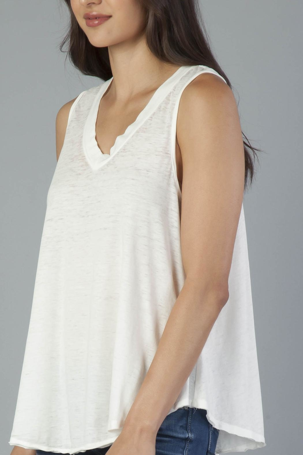 Another Love V-Neck Sleeveless Tee - Side Cropped Image