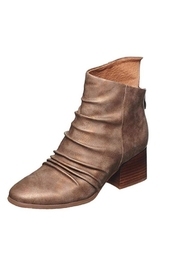 Antelope Hollie Booties - Front cropped