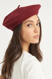 ANTIDOTE STUDIO Beret Bordeaux - Product Mini Image
