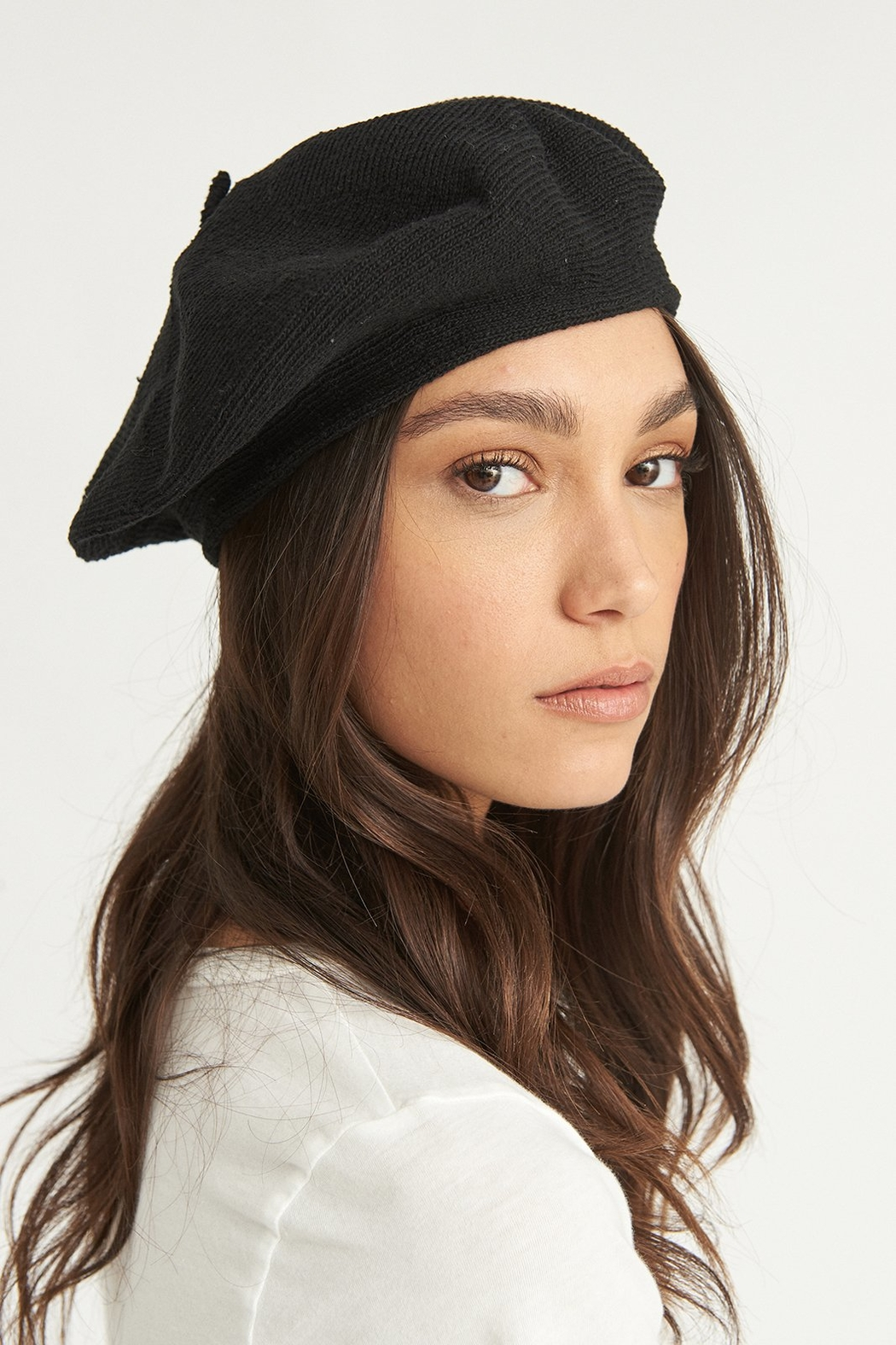 ANTIDOTE STUDIO Eco Beret Noir - Front Cropped Image