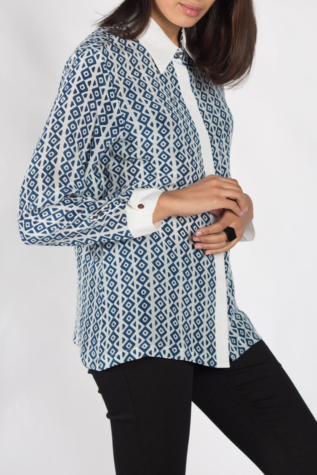 Anupamaa White Men's Shirt - Front Cropped Image