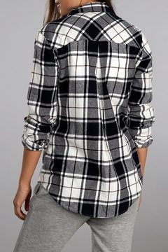 Apricot Lane Kylie Flannel Top - Alternate List Image