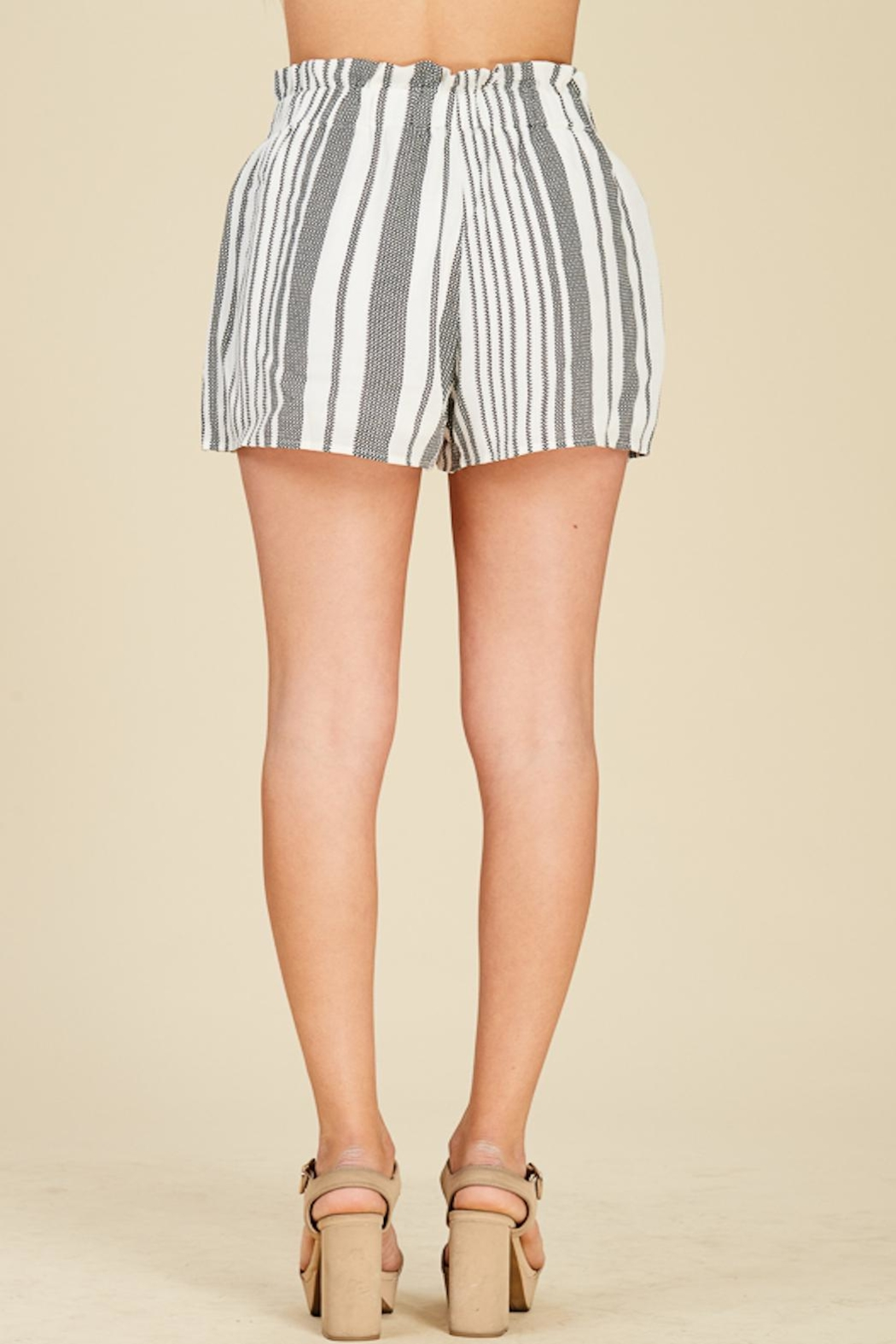 Apricot Lane Striped Bucket Shorts - Side Cropped Image