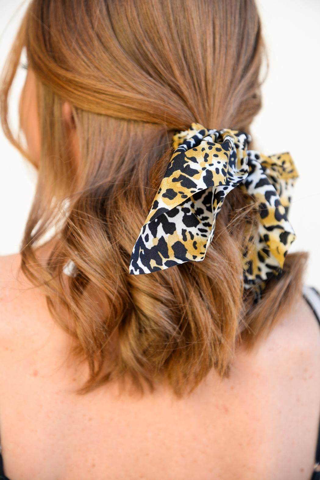 Apricot Lane Sweet Little Leopard Bow - Back Cropped Image